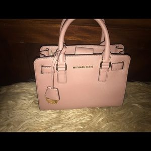 MICHAEL KORS (authentic)  Dusty Rose Bag